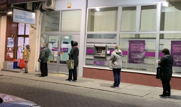 Oko 7.000 Kragujevčana starijih od 65 godina obavilo nedeljnu kupovinu i podiglo penzije uz pomoć 140 volontera