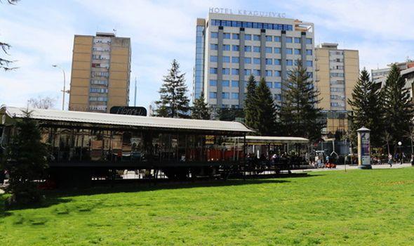 GV: Bašte restorana i kafića u Кragujevcu moći će da rade i zimi