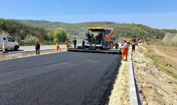 Počelo asfaltiranje poslednje deonice puta Kragujevac - Batočina
