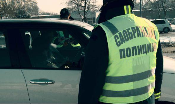 Policija POJAČALA KONTROLU korišćenja sigurnosnog pojasa i načina prevoženja dece