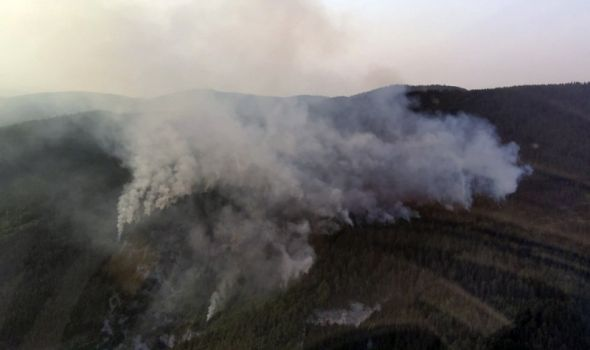 Kragujevački vatrogasci pomažu u gašenju požara kod Nove Varoši (FOTO)
