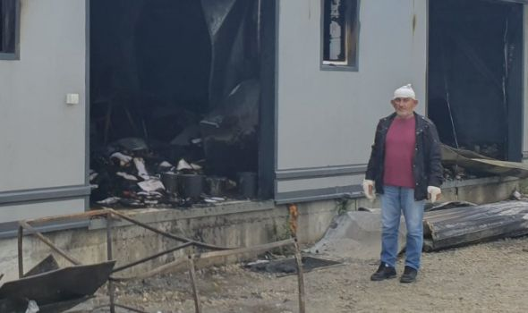 Požar u Cvetojevcu: Izgorela fabrika torti i kolača (FOTO)