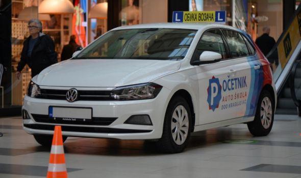 """Promocija Auto škole POČETNIK u """"Plazi"""", posetiocima na poklon električni skuter (FOTO)"""