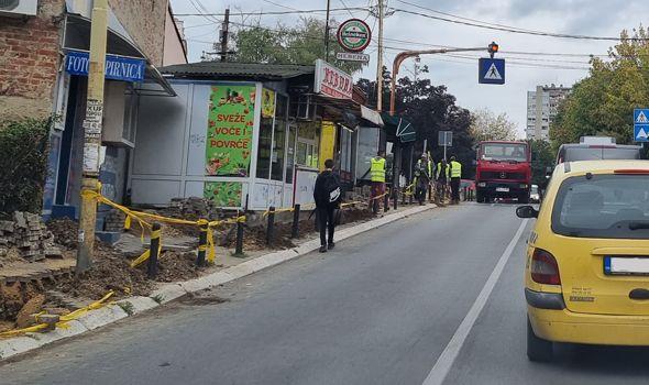 Ko raskopava ulice po centru Kragujevca? Pešaci preko totoara pod parolom SNAĐI SE (FOTO)