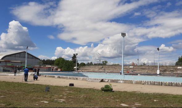 Startovala rekonstrukcija otvorenih bazena, radovi i na Šumaričkom jezeru (FOTO)