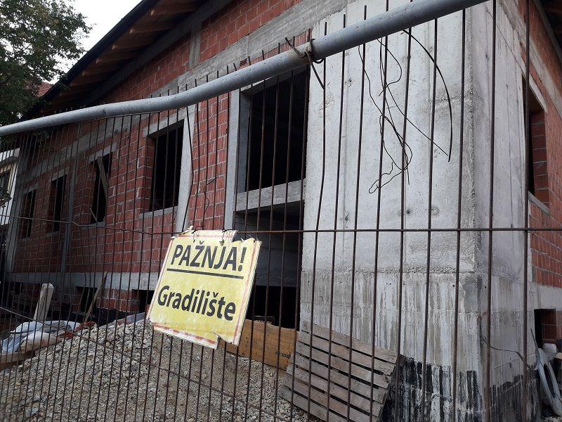 """Ovako danas izgleda replika KUĆE ĐURE JAKŠIĆA koja je """"ZAVRŠENA"""" U MAJU! (FOTO)"""