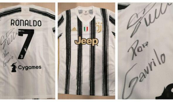 Od Kristijana za Gavrila! Za njegovu pobedu! Ronaldo poslao dres za licitaciju, novac će biti uplaćen za lečenje malog Gavrila