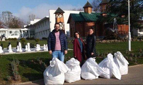 """Rotaraktovci donirali garderobu štićenicima Zavoda """"Male Pčelice"""""""