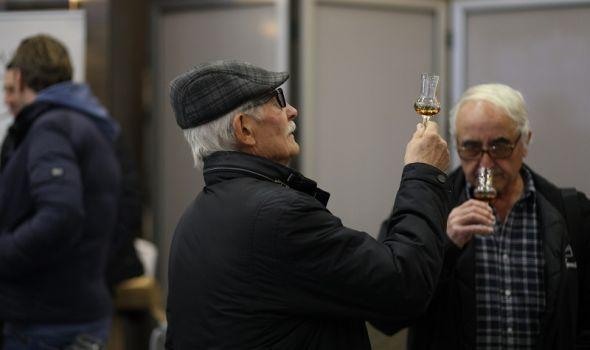 """Dodeljena priznanja najboljim """"rakijašima"""", celodnevna degustacija uz """"čašicu razgovora""""  (FOTO)"""