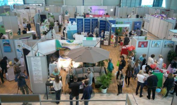 Sajam zdravlja: Besplatni pregledi i analize na Šumadija sajmu (FOTO)