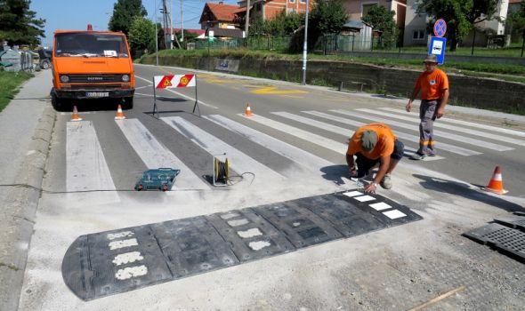 Obnova saobraćajne signalizacije u blizini škola (FOTO)
