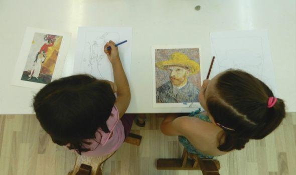 Izložba radova sa Dečje letnje škole crtanja i slikanja u Galeriji Art