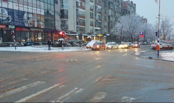 Novi talas SNEŽNIH PADAVINA: Prioritetne ulice u Kragujevcu PROHODNE