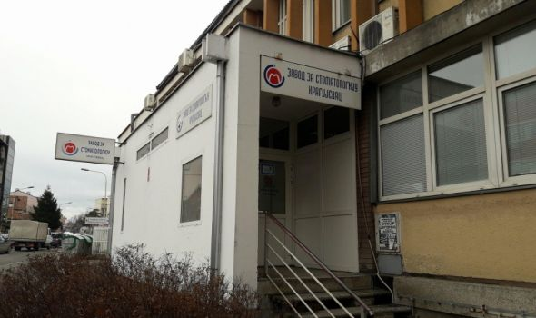 """Kragujevčani dva sata čekali kod zubara jer su doktorka i sestra """"malo zaspale"""", intervenisala i policija"""