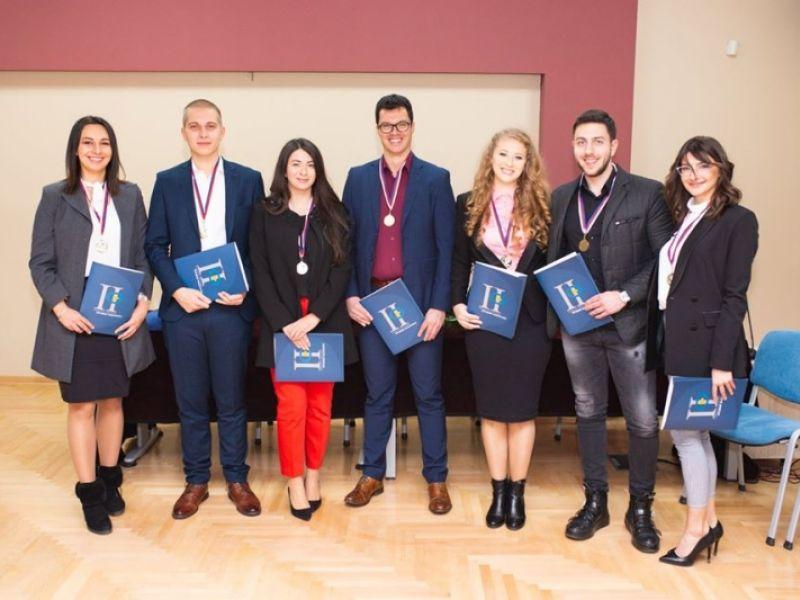 Za studnte pobednike Transevropskog takmičenja u Strazburu svečani prijem na Pravnom fakultetu (FOTO)