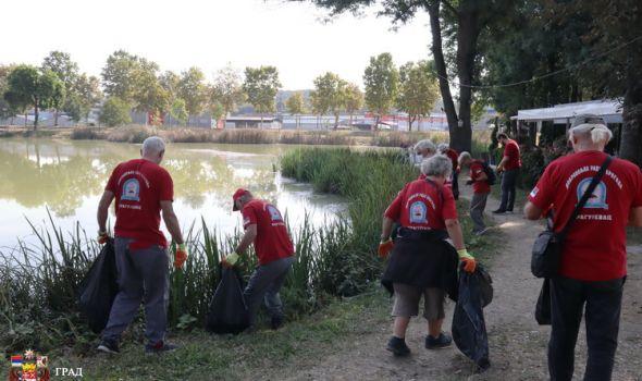 Povodom Svetskog dana čišćenja Kragujevčani sredili jezero Bubanj (FOTO)
