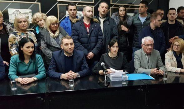 """Proglašena izborna lista """"Veroljub Verko Stevanović – Svi na ovu stranu"""" - Verko: Očekujem pobedu (FOTO)"""