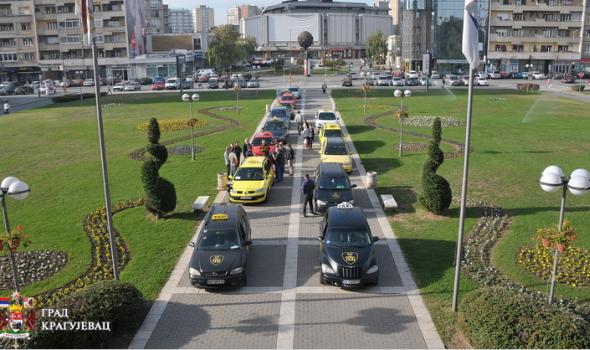 """Grad i taksisti gube dva miliona evra godišnje zbog """"linijaša"""""""