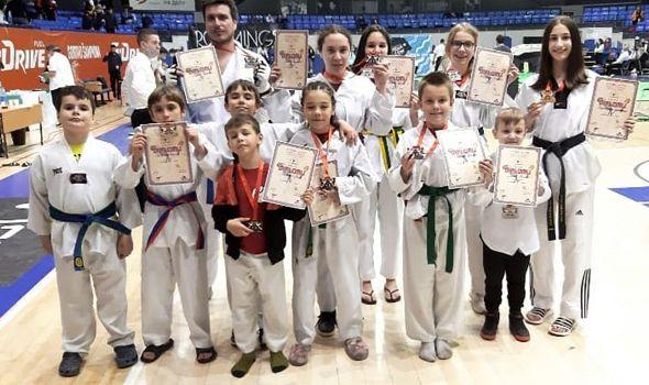 Tekvondo akademiji Kragujevac 10 medalja u Beogradu