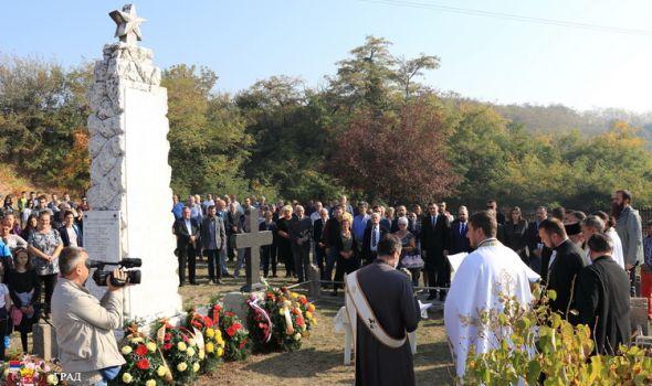 Sećanje na žrtve koje su dale živote za oslobođenje Kragujevca od okupatora (FOTO)