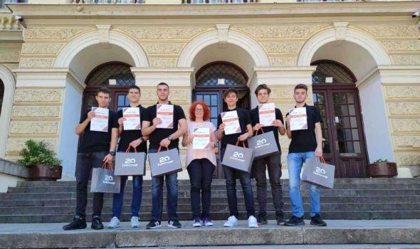 Prva kragujevačka gimnazija VICEŠAMPION nacionalnog takmičenja učeničkih kompanija