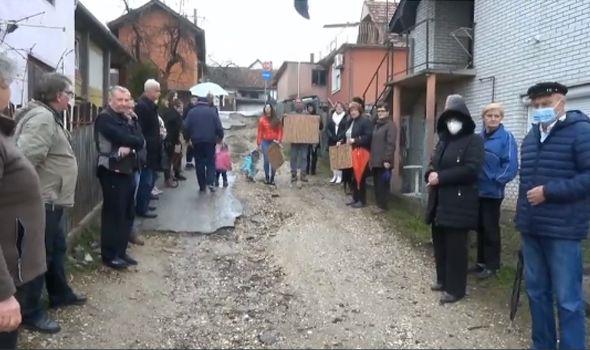 Meštani ulice Vite Džajevića: Obećanja pred svake izbore, od asfalta ništa