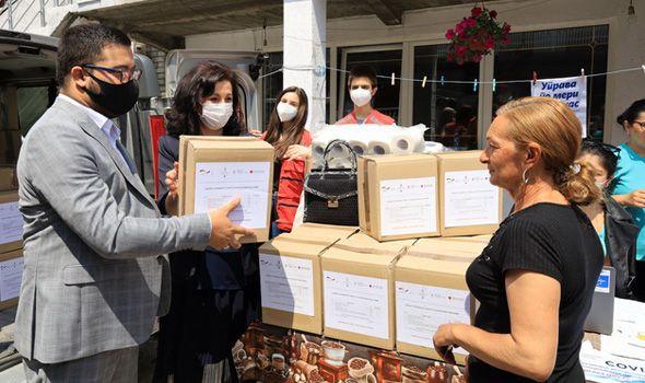 Uručeni paketi pomoći u najvećem romskom naselju u Kragujevcu