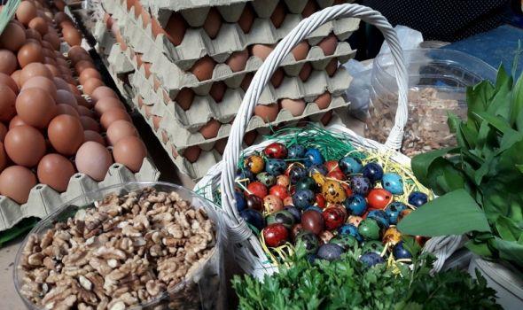 Priprema za Uskrs: Jaja i boja nema kakvih nema, cene namirnica i do 30 odsto više (FOTO)