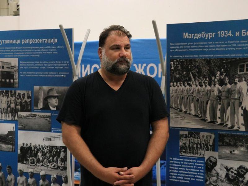 "Dejan Savić otvorio izložbu ""Vaterpolisti – žongleri"", omaž velikom rivalstvu Mađarske i Srbije (FOTO)"