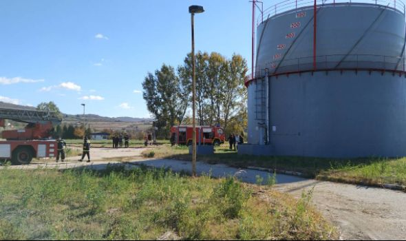 """Vatrogasci vežbali na """"Vodovodovom"""" postrojenju u Cvetojevcu (FOTO)"""