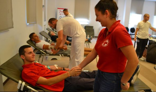 Na velikoj letnjoj akciji prikupljeno 110 jedinica krvi (FOTO)