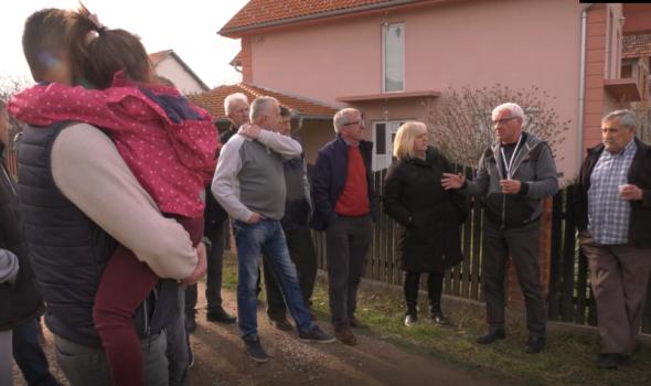 Verko posetio Stanovo i Popovu šumu: Građani se žale na komunalne probleme i bezbednost (FOTO/VIDEO)