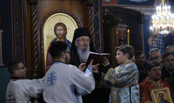 """Božićna poslanica vladike Jovana: """"Slava na visini Bogu, a na zemlji mir!"""" (VIDEO)"""