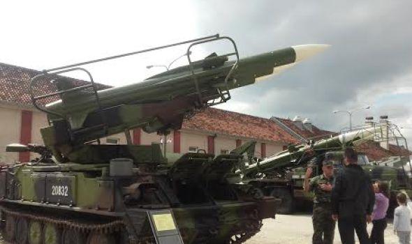 "Jedinstvena prilika za razgledanje naoružanja: Otvoreni dan u kasarni ""Narodni heroj Milan Blagojević"""