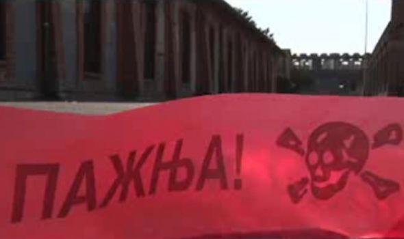 """Film """"Živi zid"""": Sudbine radnika """"Zastave"""" tokom i posle NATO napada"""