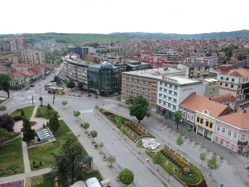 Vreme kad je stao grad: Lakijevim fotografijama Kragujevca prva nagrada u Leskovcu, za GTO ukupno tri (FOTO)
