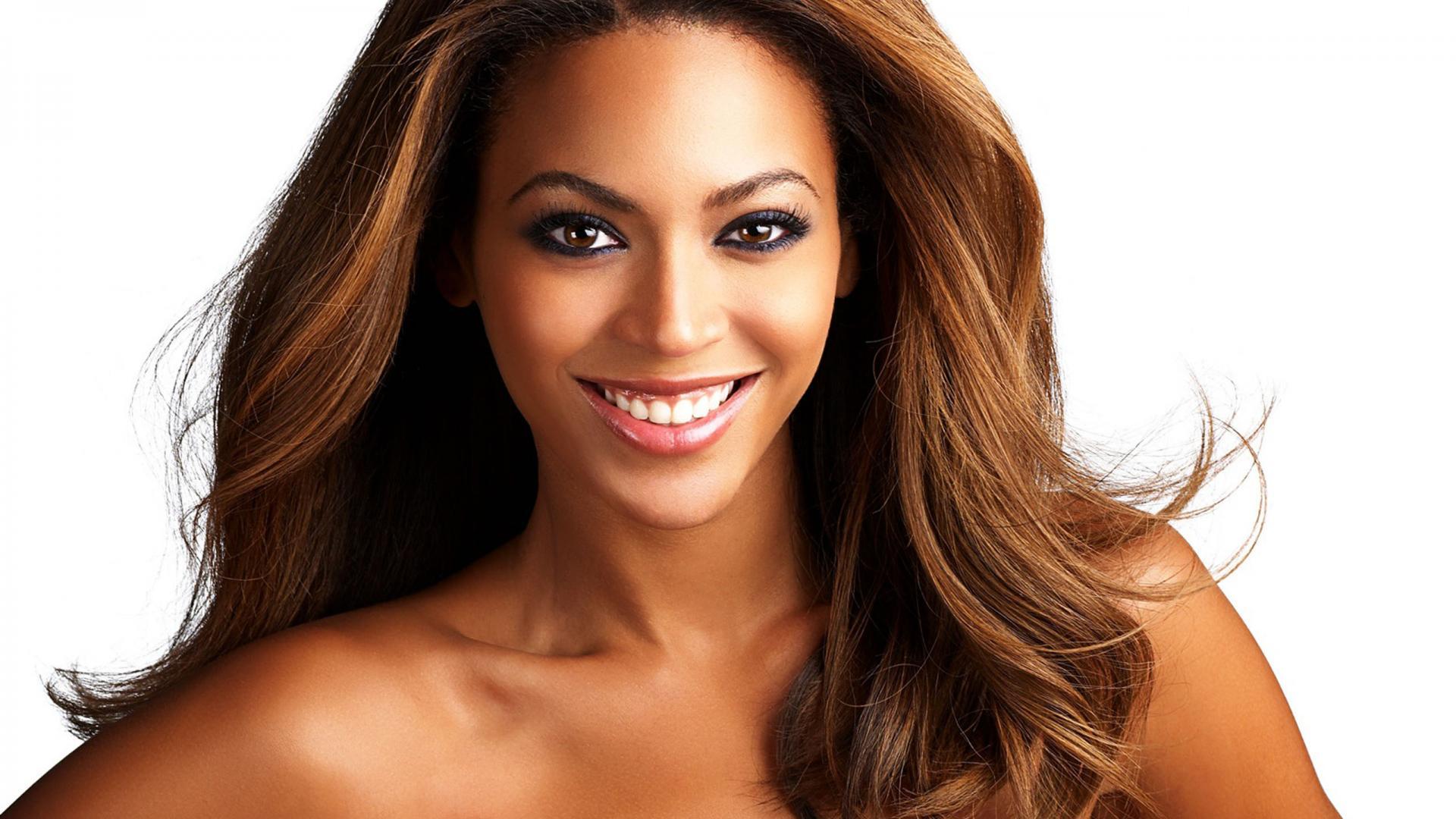 Beyonce Knowles closeup1