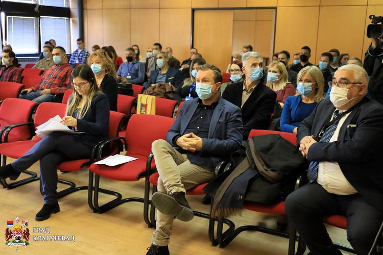 U toku Prva međunarodna konferencija o hemoinformatici i bioinformatici u Kragujevcu