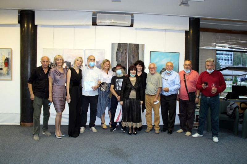 U toku godišnja izložba Udruženja likovnih umetnika Kragujevca KULT, obeležena dvogodišnjica postojanja (FOTO)