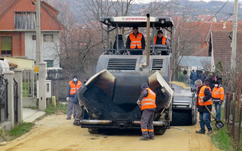 Asfaltirana ulica Slobodana Penezića Krcuna, KOJU BISTE VI PRVO SREDILI? (FOTO)